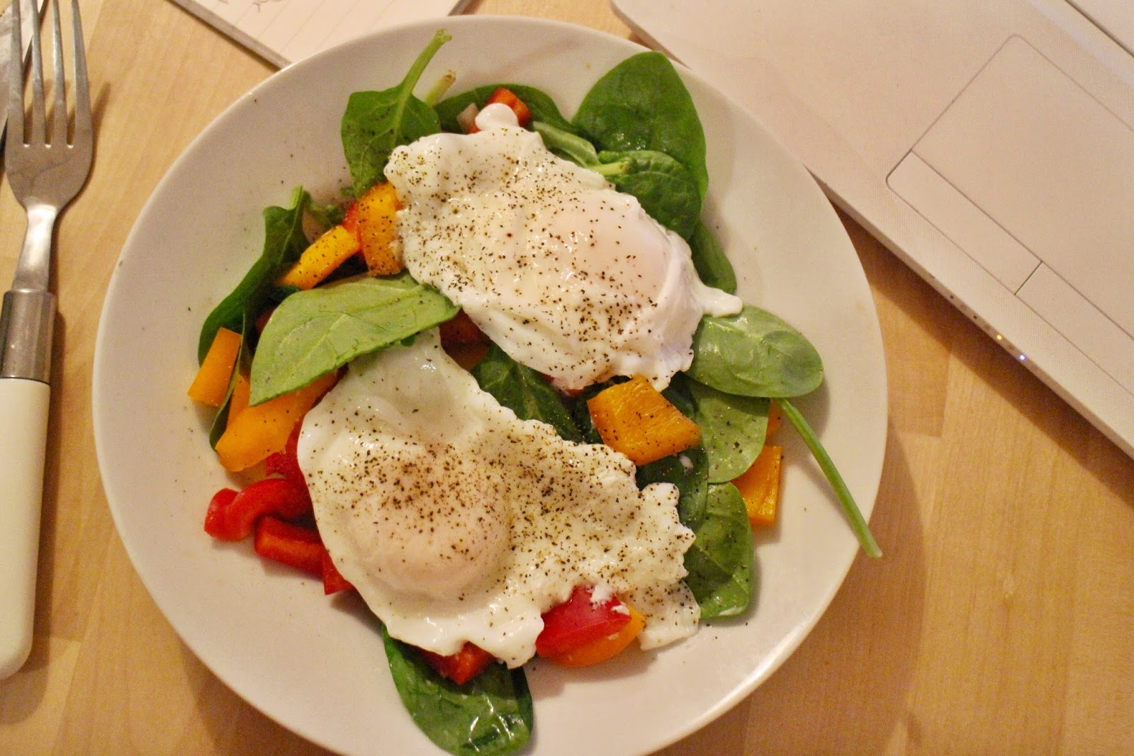 Poached Eggs and Spinach Salad