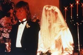Foto de Freddy Moore en su matrimonio con Demi Moore vestida de novia
