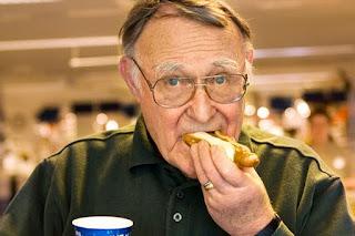 """Яркий пример """"технически нищего"""" - Ингвар Кампрад, создатель IKEA, состояние 4,2 млрд. долларов"""