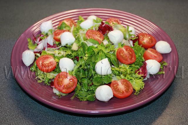 рецепт салата с черри и моцареллой с пошаговыми фото