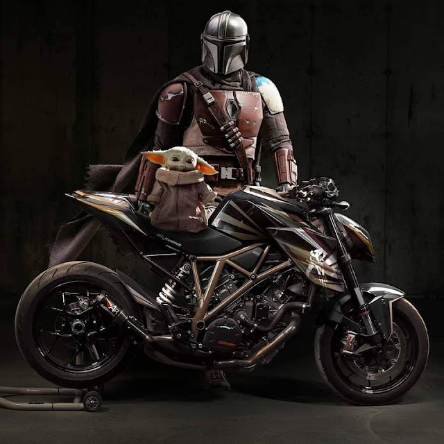 The Mandalorian KTM 1290 SuperDuke