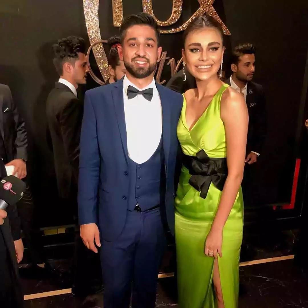 Beautiful Pictures of Sadaf Kanwal Wearing Green Dress