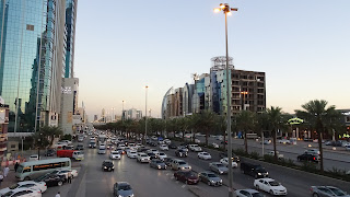 Many cars but no buses in the 5 million city Riyadh