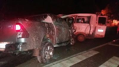 Colisão entre van e caminhonete deixa quatro feridos em Miranda do Norte