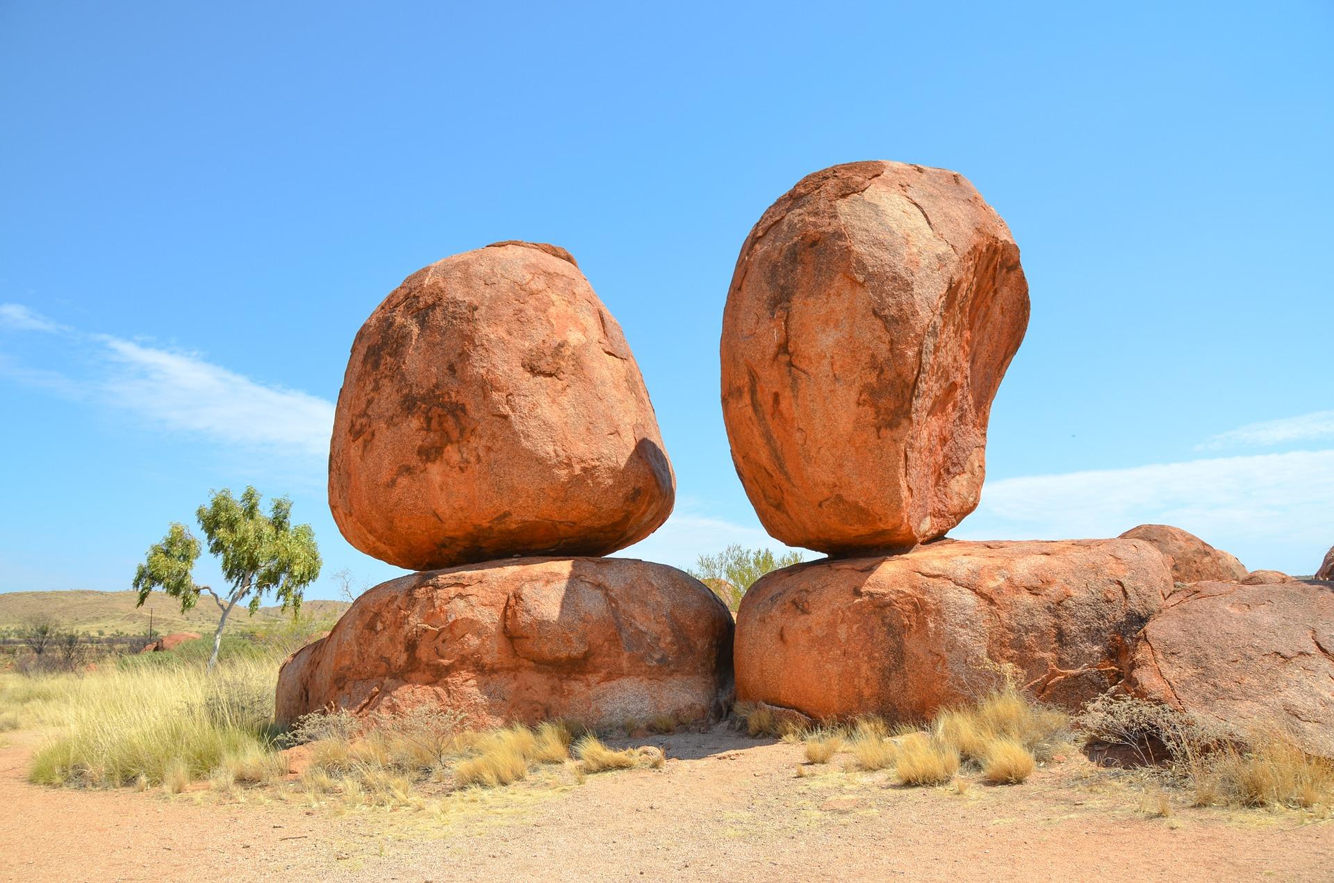 snackenglish, snack, rock, boulder, pedrusco, peñasco, paramo, desierto
