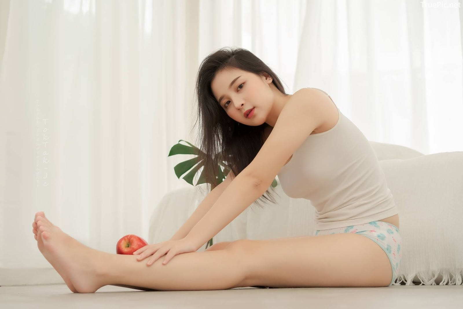 Thailand model Irine Palanichaya - The beautiful girl and Red poison apple - Picture 8