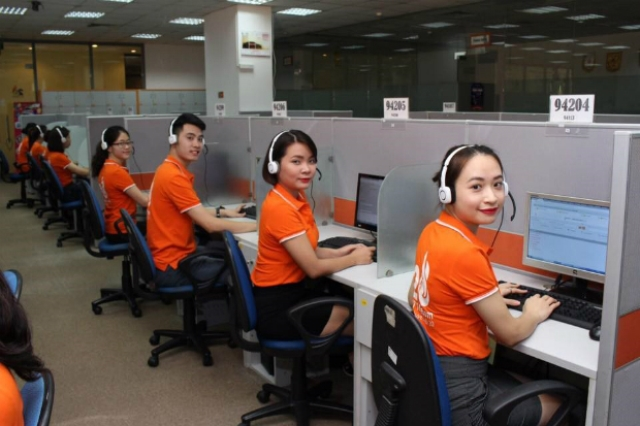 Mẫu đồng phục nhân viên FPT Telecom