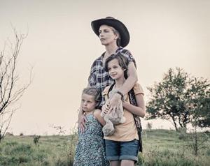 Nina Hoss con su familia