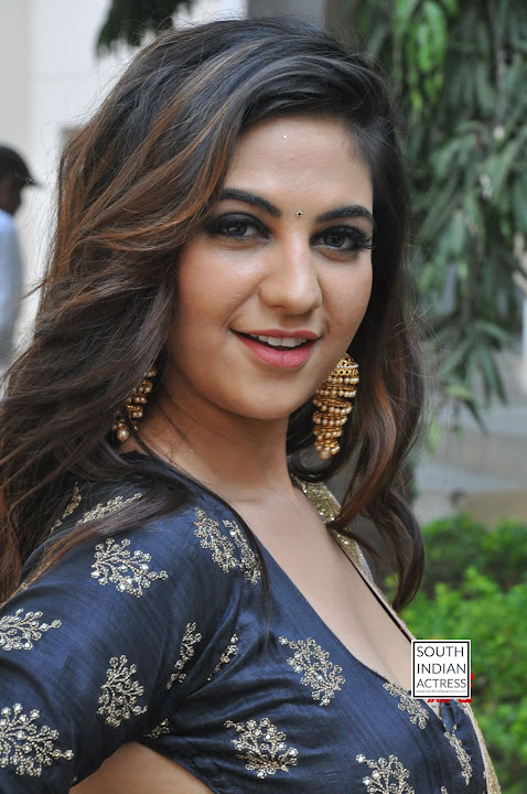 Harshitha Singh at Bewarse Teaser Launch
