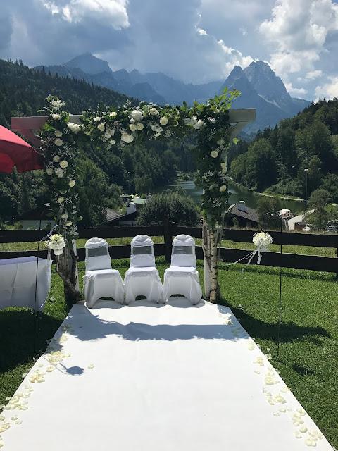 Hochzeit zu Dritt, kleine Familienhochzeit, Riessersee Hotel Garmisch-Partenkirchen, Bayern, freie Trauung