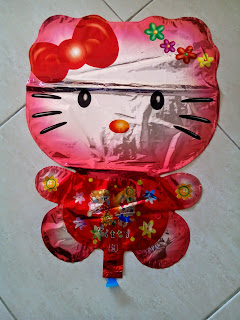 Foil Character Hello Kitty Metalik Merah