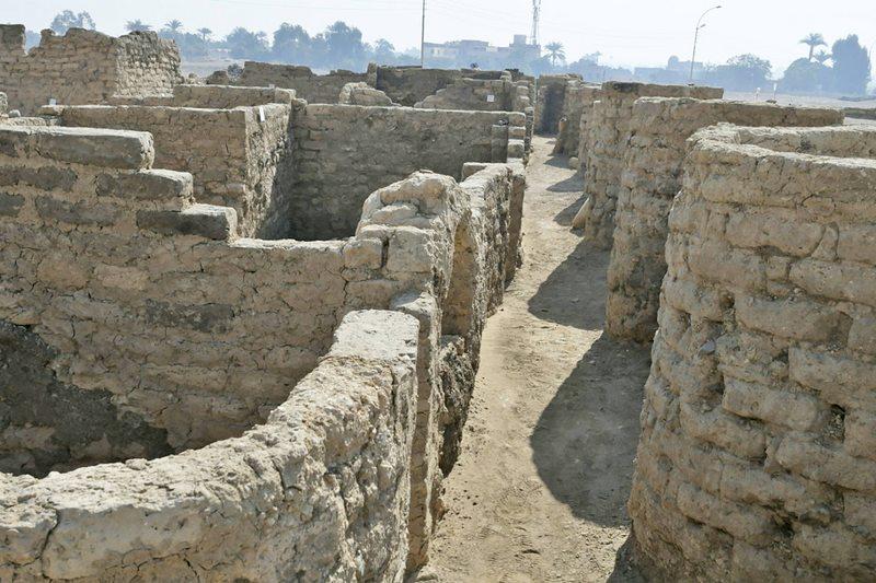 Increíble hallazgo en Egipto de una enorme ciudad olvidada bajo la arena