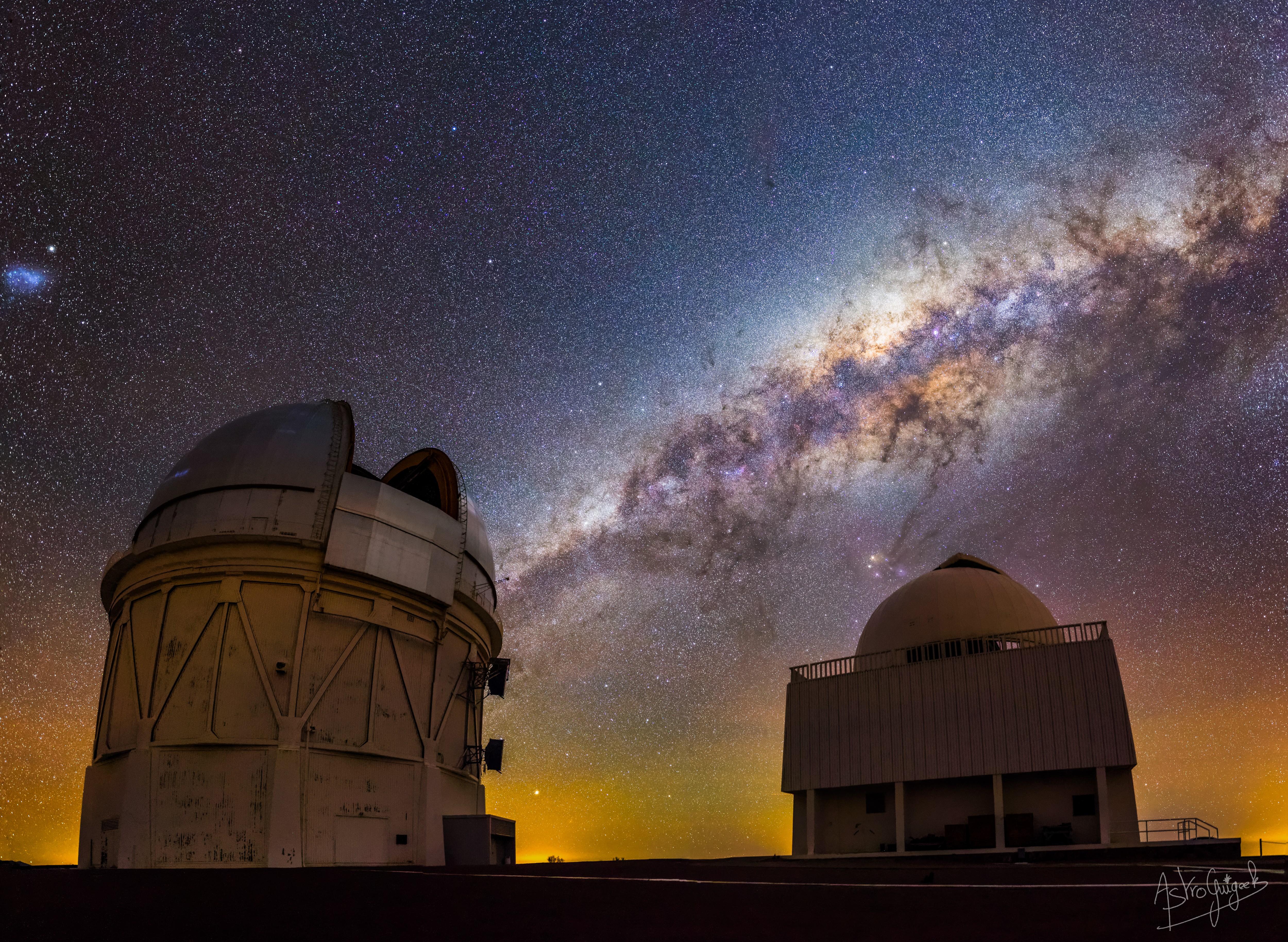 Ogre Galactique : le télescope V.Blanco de l'observatoire Cerro Tololo au Chili