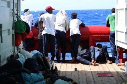 Alertan situación de emergencia en buque Ocean Viking