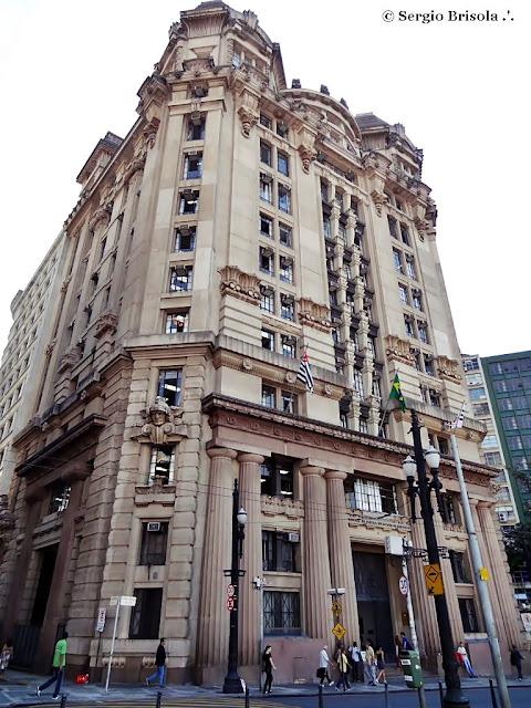 Fachada do prédio do Tribunal de Justiça do Estado de São Paulo - Pateo do Collegio - Centro