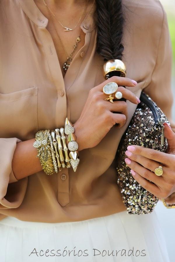 Tem que ter: Acessórios dourados - Must-have: Golden Accessories