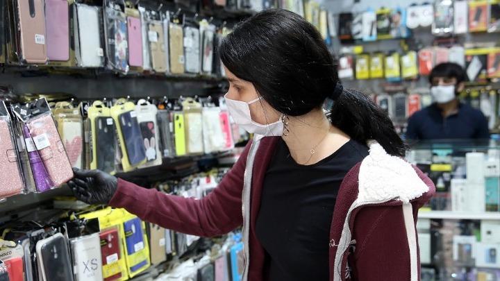Υποχρεωτική χρήση μάσκας: Δείτε σε ποιους χώρους πρέπει να φοράτε