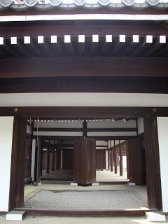 l'interno costruito in modo altrettanto preciso