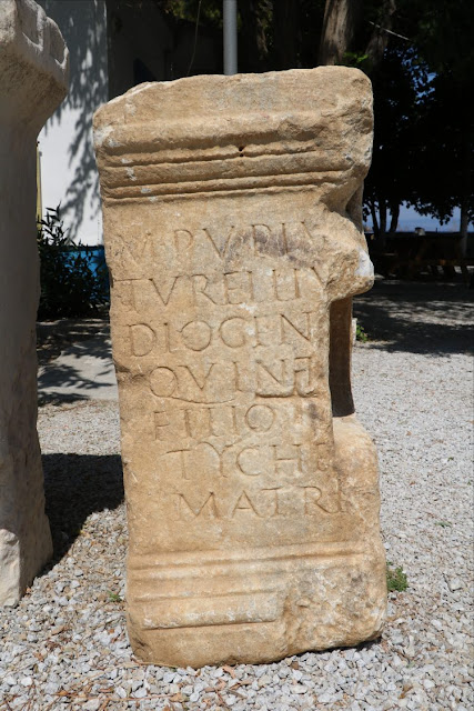 Monumental tomb inscription found in Parion