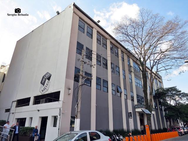 Vista ampla do prédio que abriga o Museu Belas Artes de São Paulo - MUBA - Vila Mariana - São Paulo