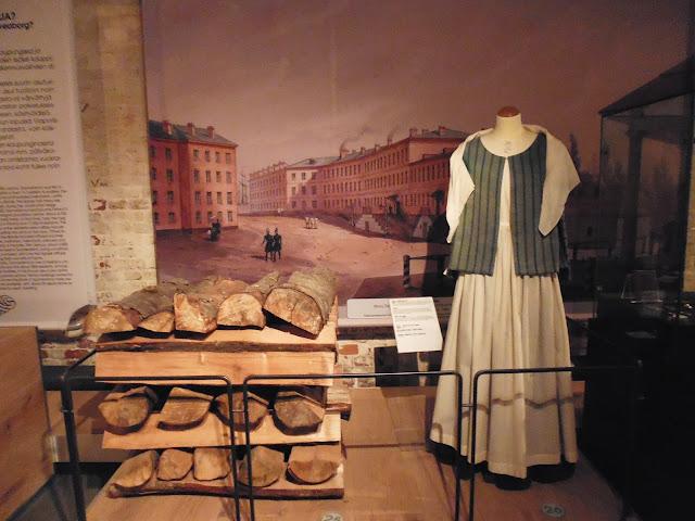 Exposición de la vida anterior a la base naval (Museo de Suomenlinna) (Fortaleza de Suomenlinna) (Helsinki) (@mibualviajero)