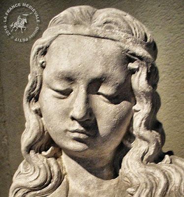 AUTUN (71) - Musée Rolin : Statue de Sainte-Marguerite d'Antioche (1462)