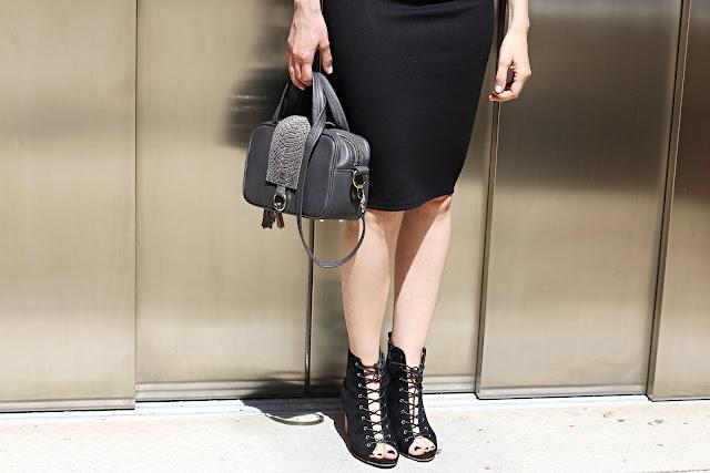 business casual, biurowa stylizacja, monochrome, myBag, novamoda style, ołówkowa spódnica, simi, spódnica, trendy, jak nosić klasyczną spódnicę, porady stylistki, stylistka poznań,