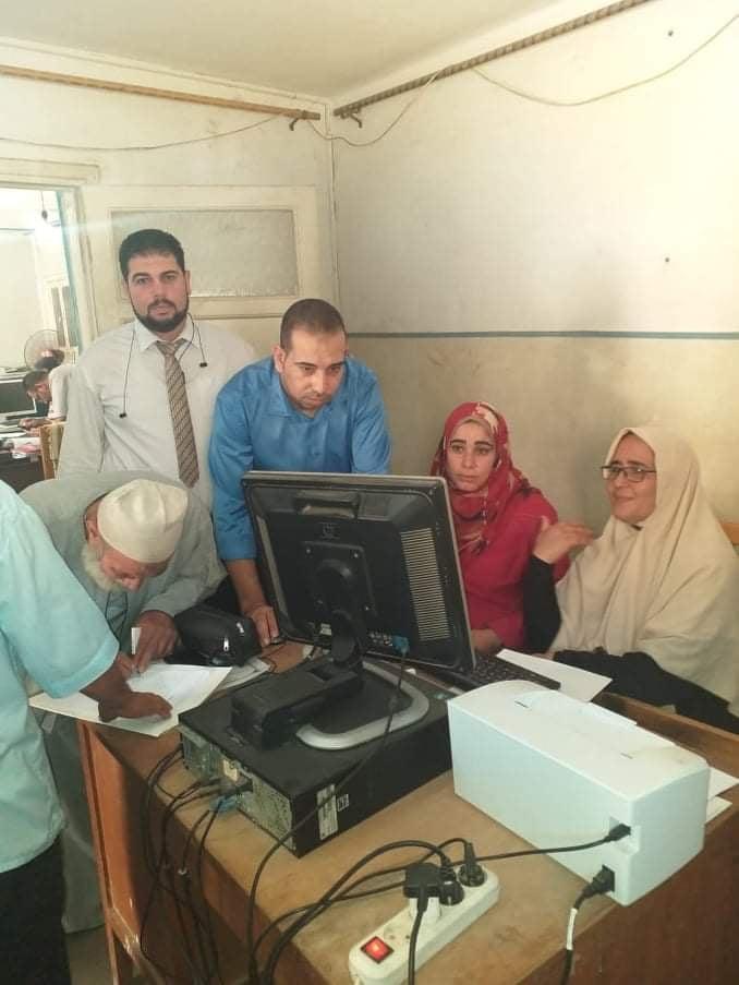 بالصور ..فتح عدد 7 منافذ استقبال طلبات التصالح بالوحدات المحلية لمجالس قرى كوم حماده .