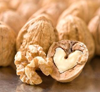 Rahasia kekuatan jantung ada di segenggam kacang kenari