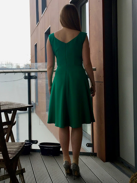 Diary of a Chain Stitcher: B5814 Gertie for Butterick Dress in Kelly Green Silk Crepe from Mood Fabrics