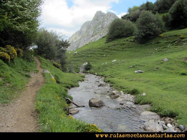 Ruta Lindes - Peña Rueda - Foix Grande: Río de la Foix Grande