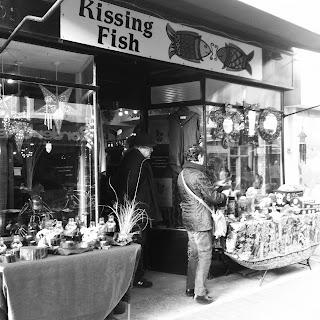 Brighton Kissing Fish