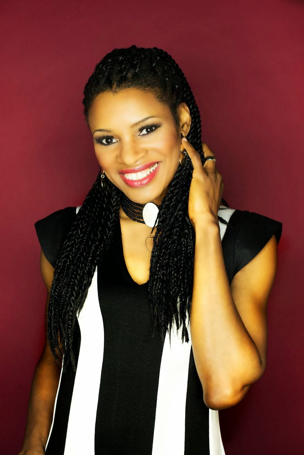 Nicole C. Mullen - Crown Him Hymns Old and New (2013) Biography and History