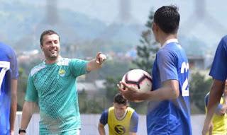 Radovic: Persib Bandung Akan Terapkan Formasi 4-3-3, Belum Butuh Striker Baru