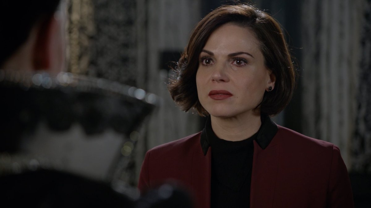Regina en sus últimos momentos frente a la Reina Malvada antes de acabar con ella en Once Upon a Time