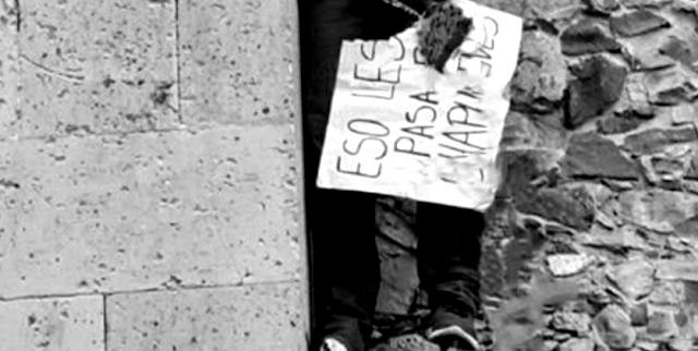 """En el puente río de Lagos de Moreno El CJNG deja a rival tirado con cartulina """"Esto les pasa por andar chapulineando, El Cártel Nueva Plaza reaparece?"""