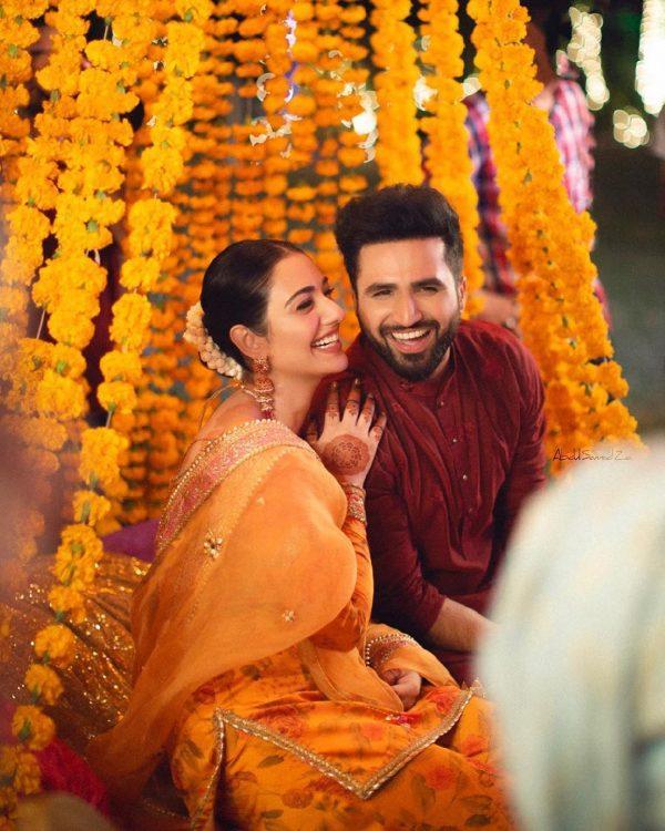 Sarah Khan and Falak Shabbir Mehndi HD Clicks are Here
