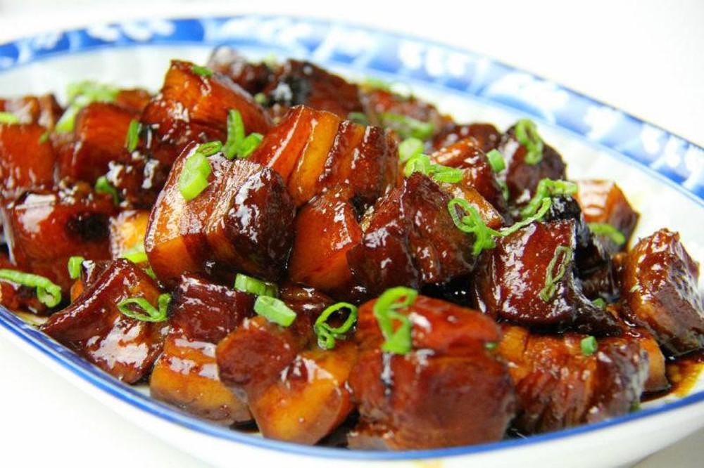 Bữa cơm gia đình: Món thịt kho tàu đơn giản