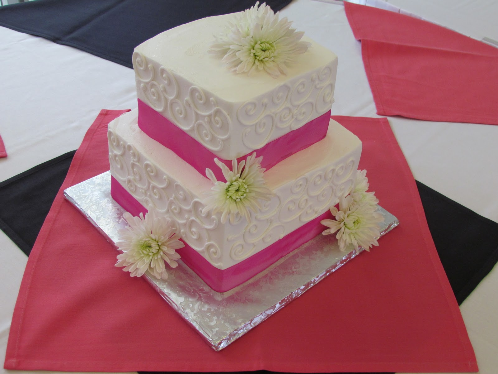 Little Bean Workshop  Princess Cake and Pink and White Wedding Cake Princess Cake and Pink and White Wedding Cake
