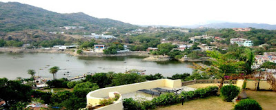 Rajasthan Mount Abu - Tempo Traveller Mini Coach Hire