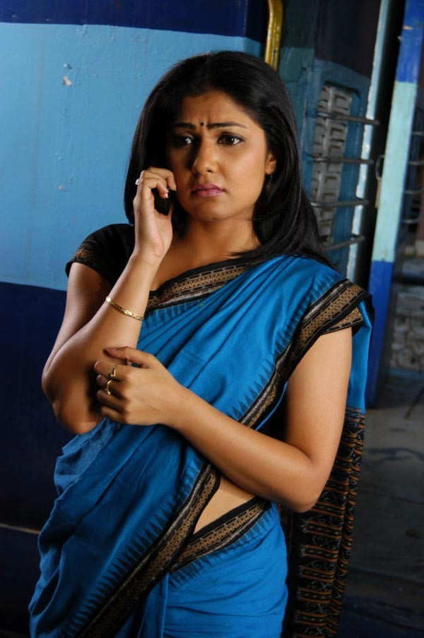 Tollywood Actress Hot In Blue Saree Kamalinee Mukherjee