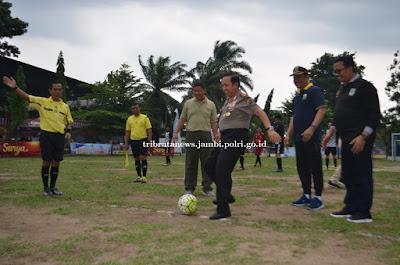 Kapolda Jambi Buka Turnamen Sepak Bola Mini Danrem Cup 2019