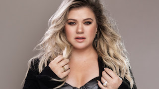 "Kelly Clarkson: ""We were robbed last night"""
