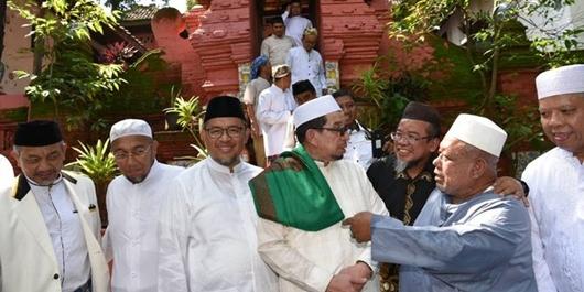 Napak Tilas Perjuangan Para Wali, Elite PKS Ziarah Ke Makam Sunan Gunung Jati