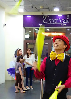 Singapore Juggler Event Entertainer