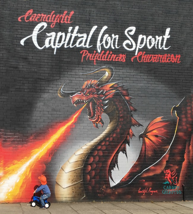 #mySundayPhoto-number-34-street-art-cardiff-dragon-breathing-fire-in-welsh-and-english-capital-for-sport