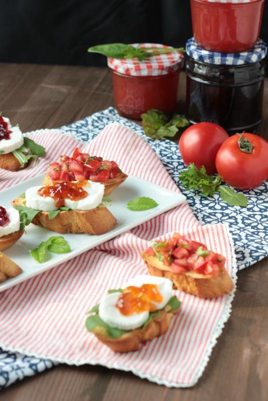 Gegrillte Gemüse auf Bruschetta Brot