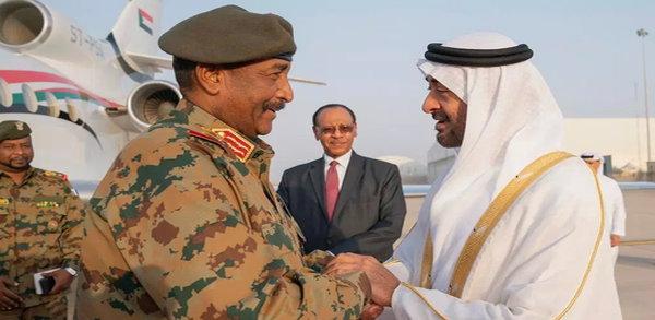 السودانيون يحمّلون الإمارات والسعودية مسؤولية مجزرة القيادة التي قتل فيها نحو ثلاثين شابا مسالما، قبل نحو يوم من عيد الفطر.