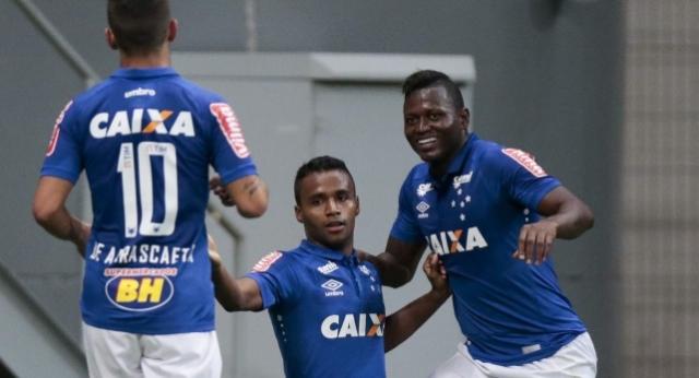 Tem Na Web - Ex-jogador do Cruzeiro tem rede social invadida com conteúdo pornográfico