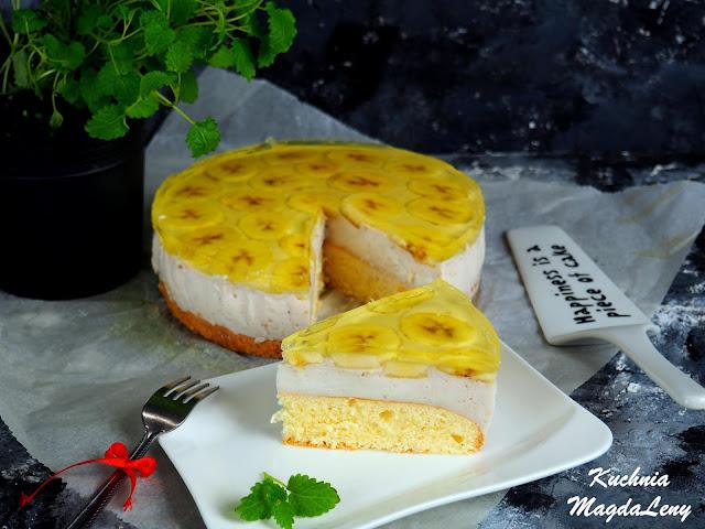 Ciasto z galaretką na biszkopcie
